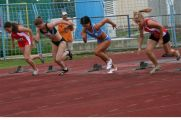 Start u utrci na 100 m za seniorke